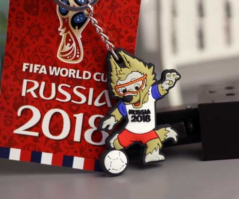 2018 Russia World Cup Mascot Keychain Wolves Playing Football Running Slippery Action Men Women Best Holiday Gift