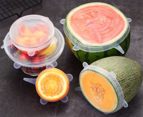 Silicone elastic lids in various sizes for food
